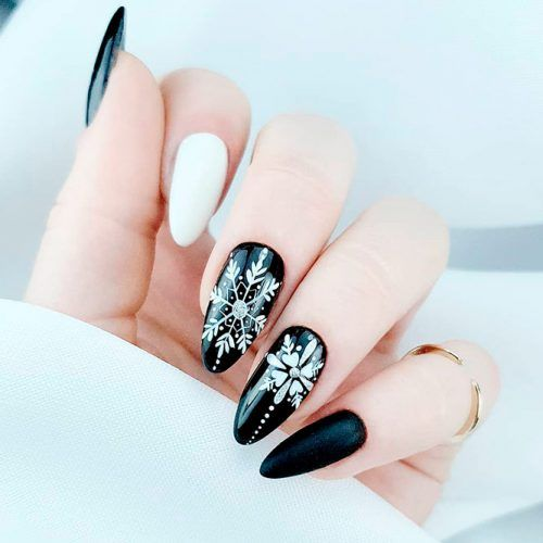 Black Winter Nail Art With Snowflakes #winternails #blacknails