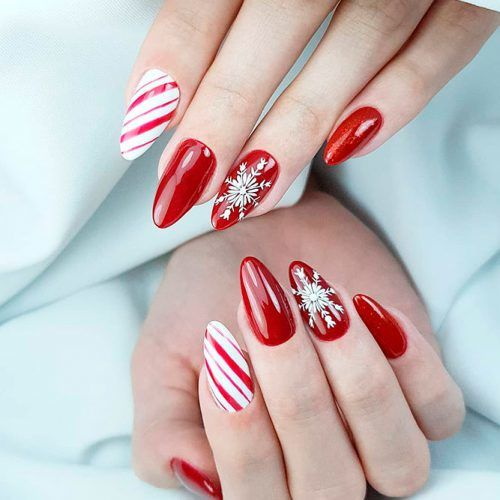 Candy Nail Art With Snowflakes #winternails #christmasnails