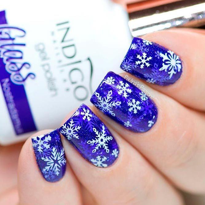 Snowflakes Patterned Nail Art #bluenails #patternednails