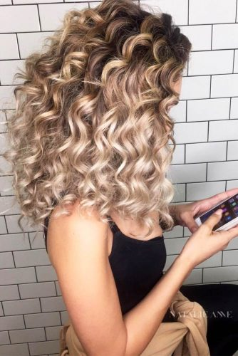Light Wavy Curly Hair picture1