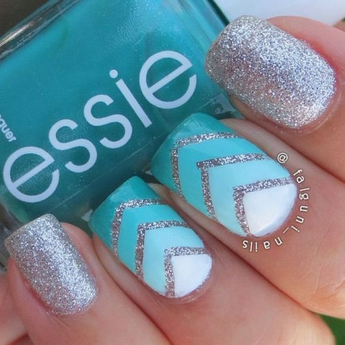 Amazing Shimmering Winter Nails picture 2