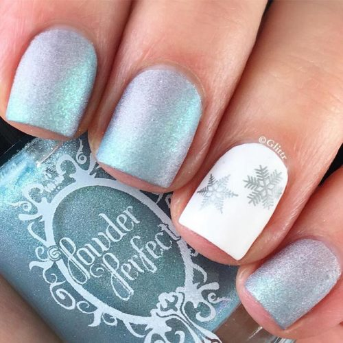 Amazing Shimmering Winter Nails picture 3