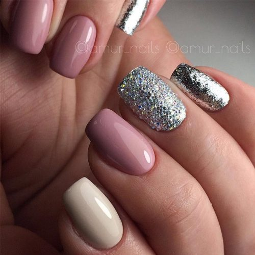 Glitter Winter Nail Ideas picture 4