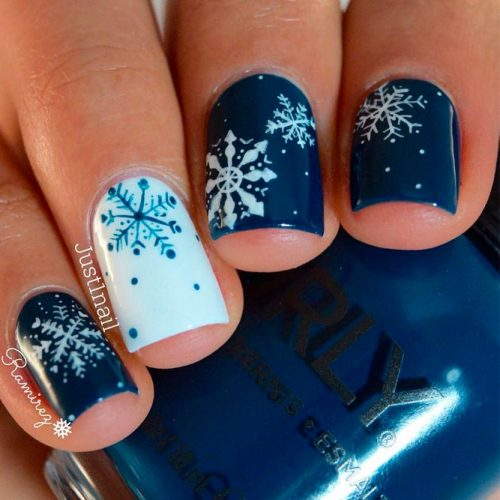 Deep Blue Snowflakes Nails #snowflakesnails #winternails