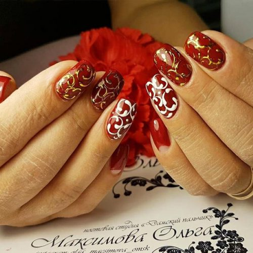 Cute Christmas Style Nails for Holidays Picture 3