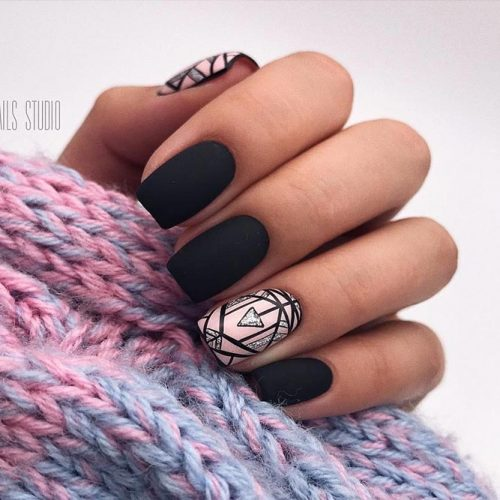 Classy Matte Nails in Dark Shades Piture 2