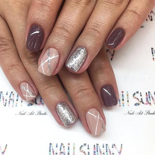Amazing Shimmering Winter Nails Picture 4