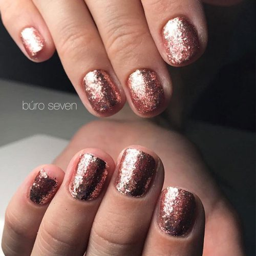 Amazing Shimmering Winter Nails Picture 6