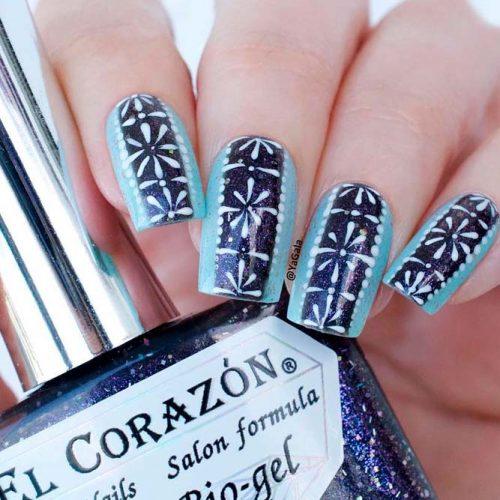 Snowflakes Pattern Nails #winternailsart #snowflakes
