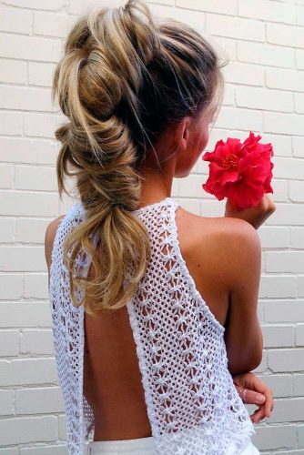 Pretty Holiday Hair Ideas for Party