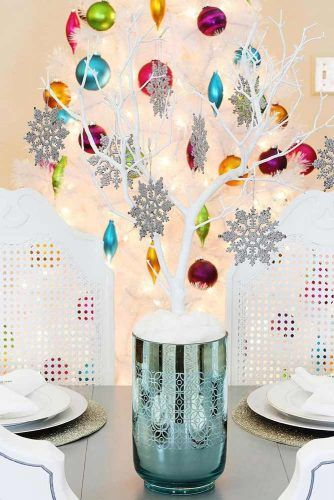 DIY Tree Centerpiece With Ornaments #diytree