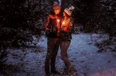 15 Cute Christmas Photos for Couples to Show Love