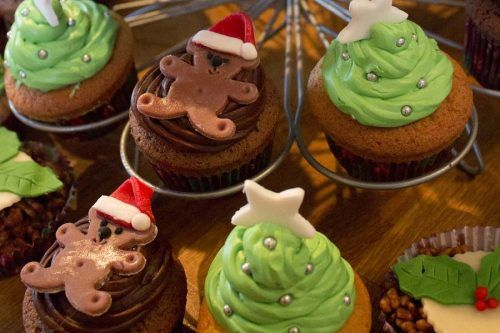Cute and Sweet Christmas Cupcakes