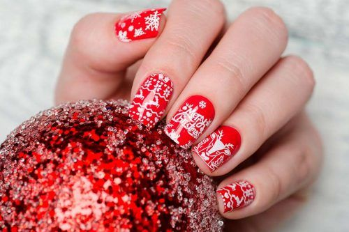 Frozen Snowflakes Christmas Nails