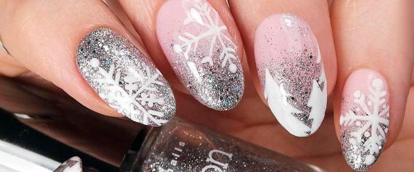 27 Frozen Snowflakes Christmas Nails