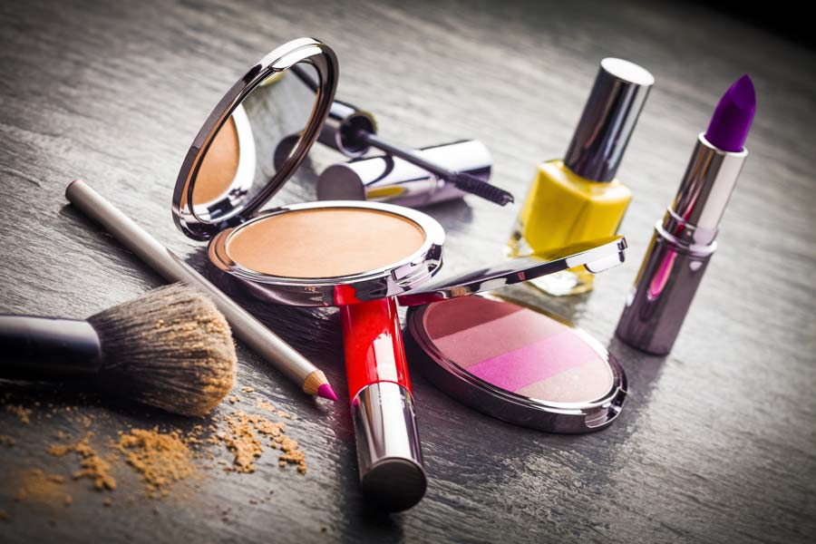 Thrifty Tips on Saving Money on Beauty Items