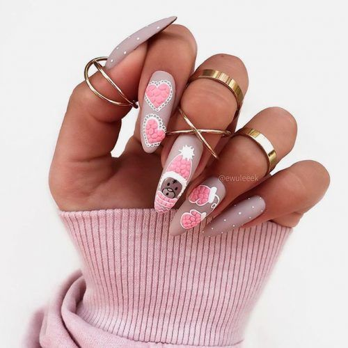 Lovely 3-D Nail Art For Holiday Mani #mattenails #lovelynails #3dnails