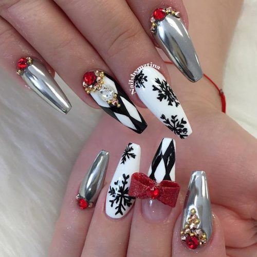 18 Wonderful Holiday Nails You Have to Try This Season