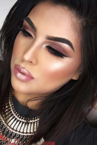 Cute Winter Makeup Looks with Eyeliner picture3