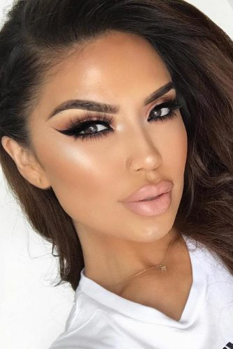 Fresh Day to Night Makeup Looks picture 3