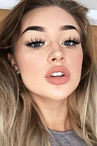 Most Popular Day to Night Makeup Ideas picture 4