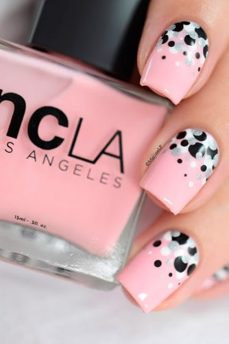 Eye-Catching Pink Nails Designs picture 2