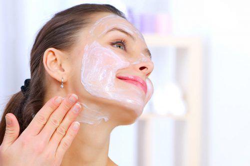 Best DIY Facial Masks For Acne Prone Skin