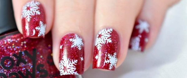 39 Unique And Beautiful Winter Nail Designs