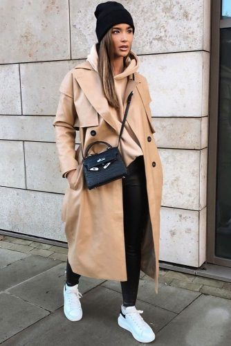 Leather Coat With Black Leaggings Outfit #beigecoat #hat
