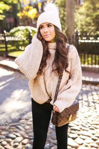 Cozy Outfit Ideas with Sweaters picture 5