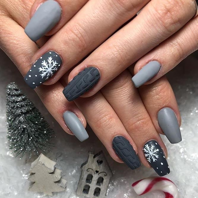 Grey Sweater Nail Design #greynails #sweaternails