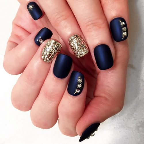 Beautiful Nail Designs to Try This Winter picture 1