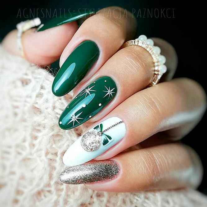 Christmas Nail Art #greennails #christmasnails