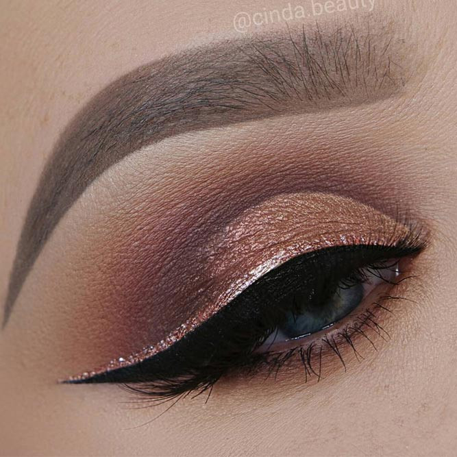 Shimmer Smokey With Double Eyeliners #rosegoldline #smokeyeyes