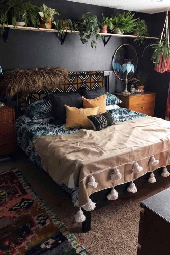 Bohemian Bedroom Idea With Plants #plants #pillows