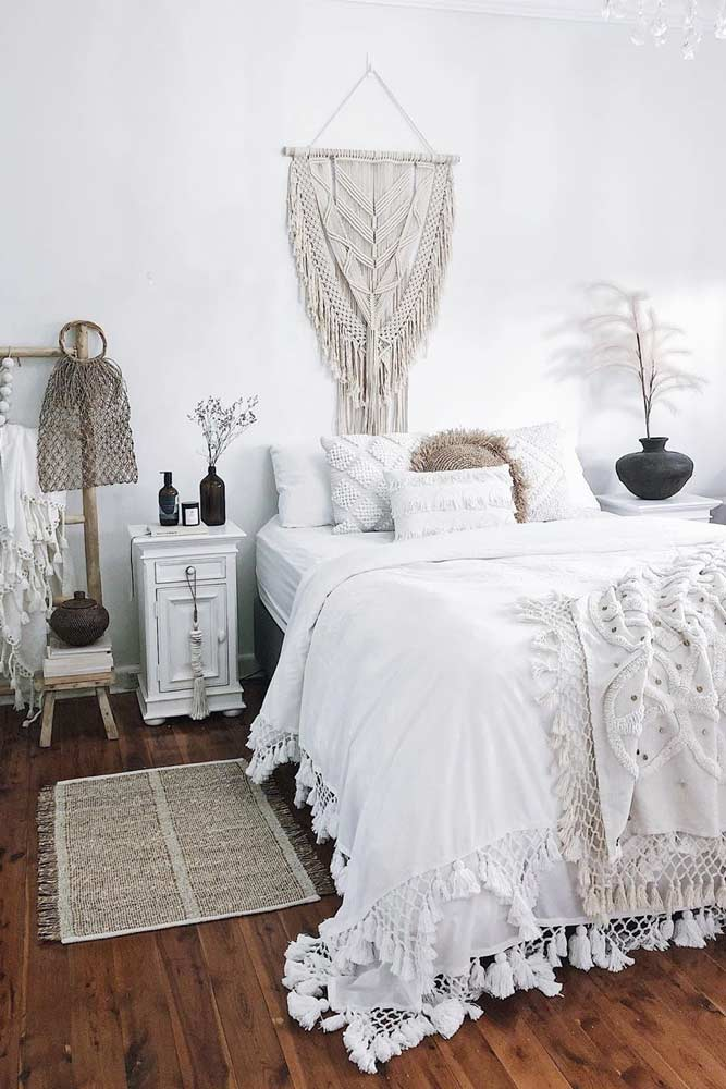 Boho Bedroom Decor In White Color #rug #texture