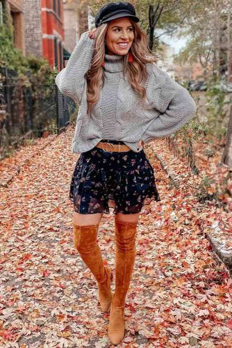 Print Mini Skirt With Sweater Outfit #graysweater