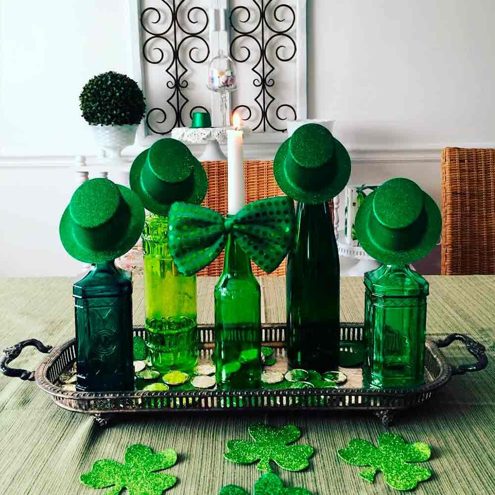 Pretty Bottle Hats #bottle #tabledecor