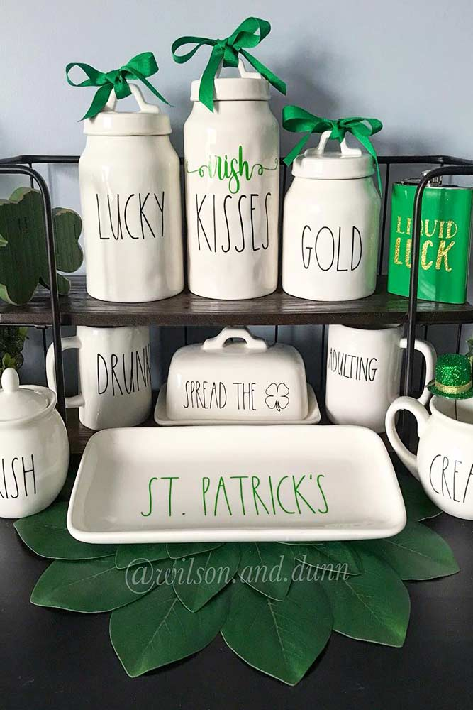 St Patricks Day Decoration For Your Holiday Table Picture 1