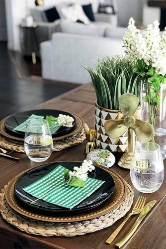St Patricks Day Decoration For Your Holiday Table Picture 3