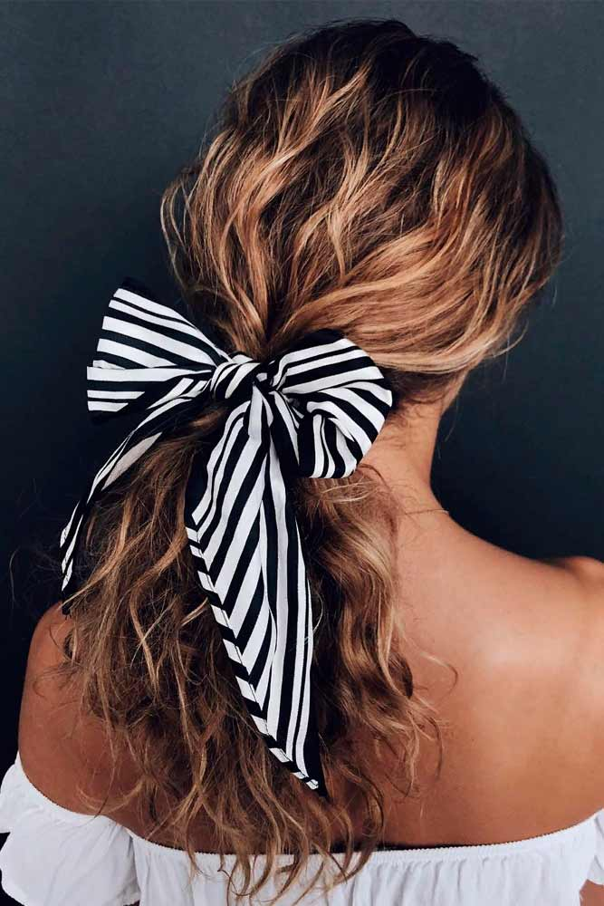 Low Ponytail With Ribbon Bow #ponytailhairstyles #hairribbon