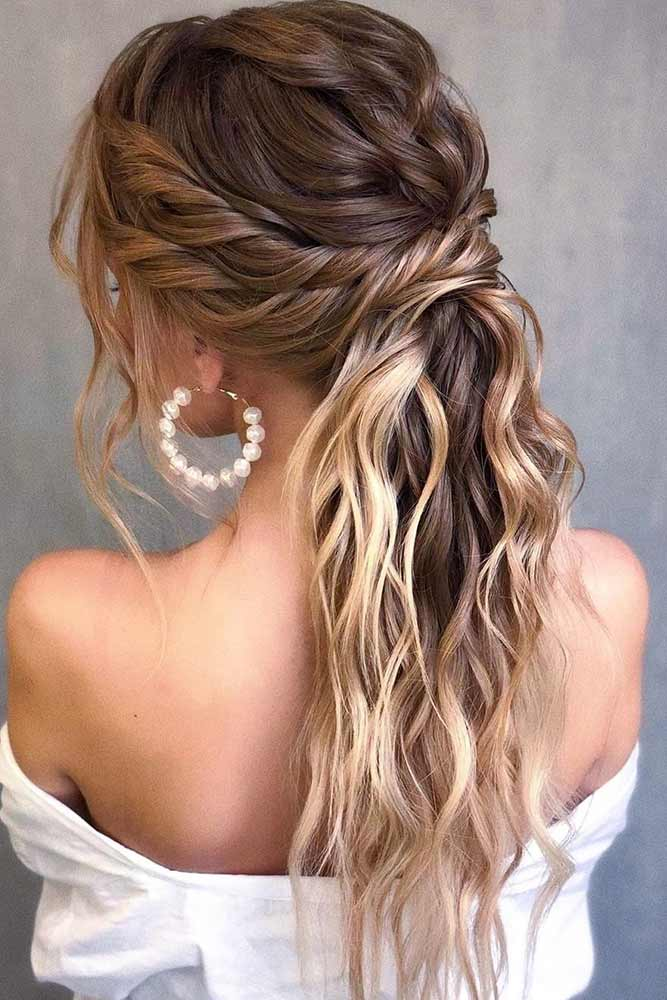 Twisted Low Ponytail #wavyhairstyles #twistedhairstyle