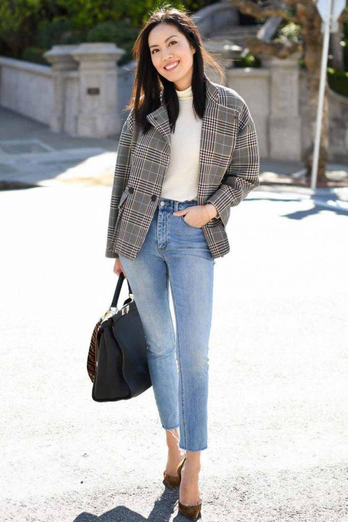 Jeans With Plaid Jacket Outfit #plaidjacket