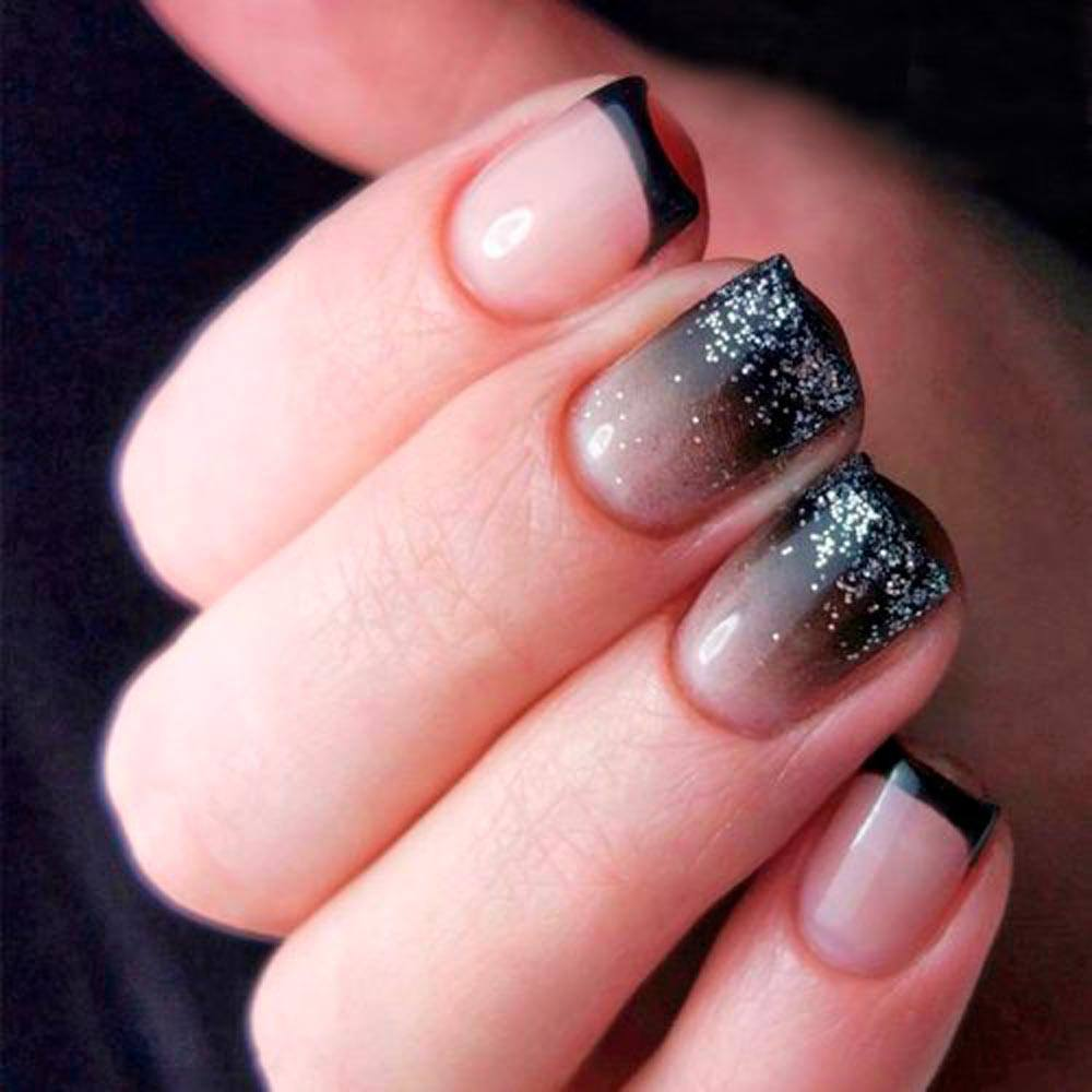 Snowy Tips #glitterombrenails #sparklynails