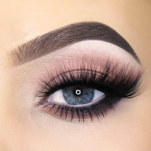 Lovely Makeup Ideas For Blue Eyes picture 5
