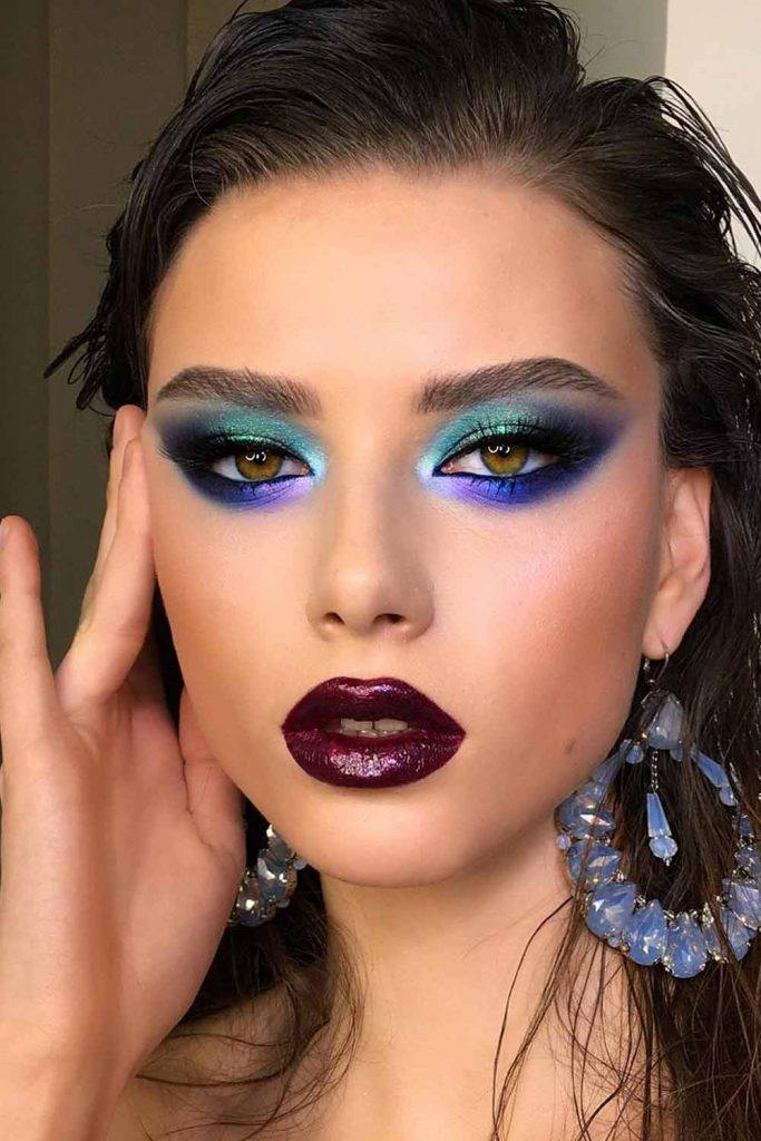 Vintage Bold Makeup Idea #blueeyeshadow