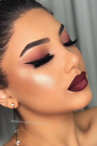 Burgundy Shades For Prom Makeup #blackeyeliner #glitter