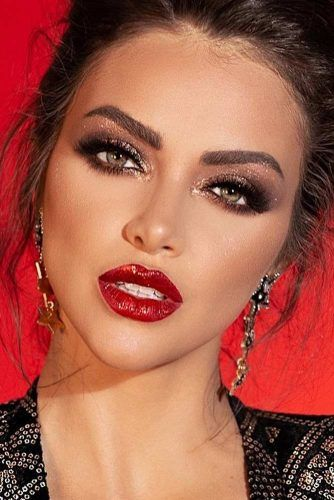 Glitter Smokey With Red Lips Makeup Idea #redlipstick
