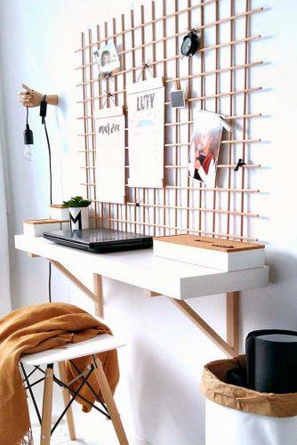 Hang Your Calendar to Organize Home Office Desk Space