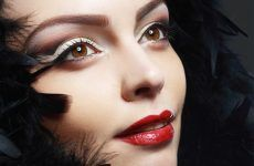 Cut Crease Makeup Ideas To Try This Year